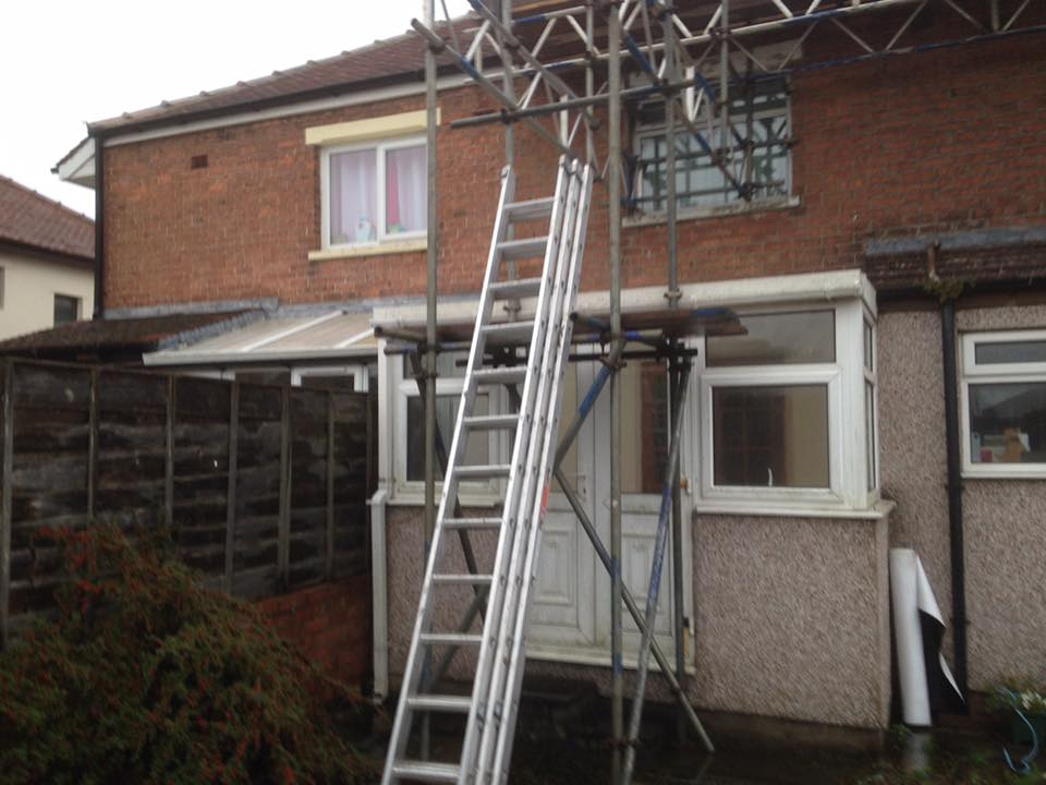 Extension With Parapet Wall and Sky Lantern - Building and