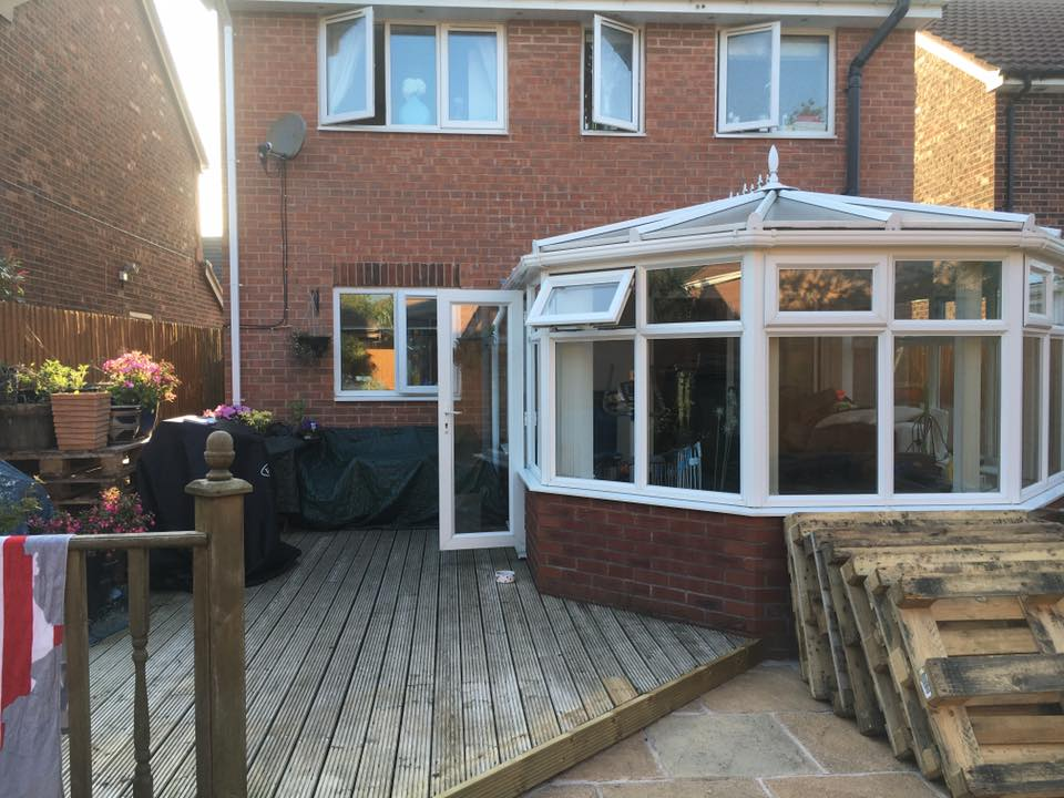 extension sky with sky lantern and parapet wall with stone